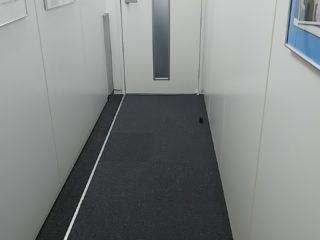 廊下 パーテーション・フロア工事