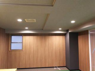 東京都港区 オフィス工事 ダウンライト設置